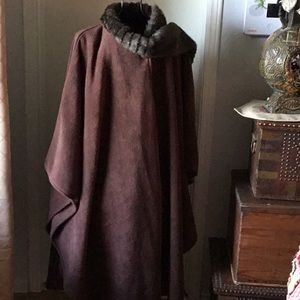 Brown Cape with matching Faux Fur